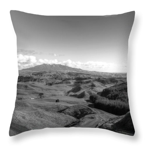 Beauty In Nature Throw Pillow featuring the photograph New Zealand by Les Cunliffe