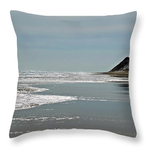 Newcomb Hollow Throw Pillow featuring the photograph Newcomb Hollow I by Joe Faherty