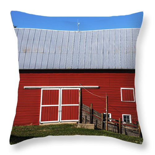 Barns Throw Pillow featuring the photograph Nice Red Barn by Edward Peterson