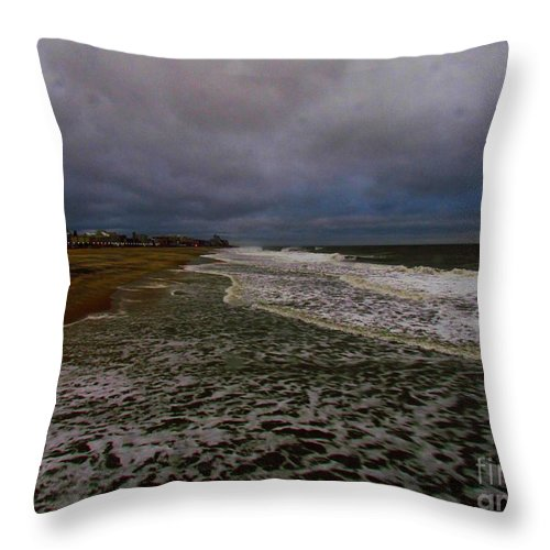 Wave Throw Pillow featuring the photograph Night Wave by Rrrose Pix