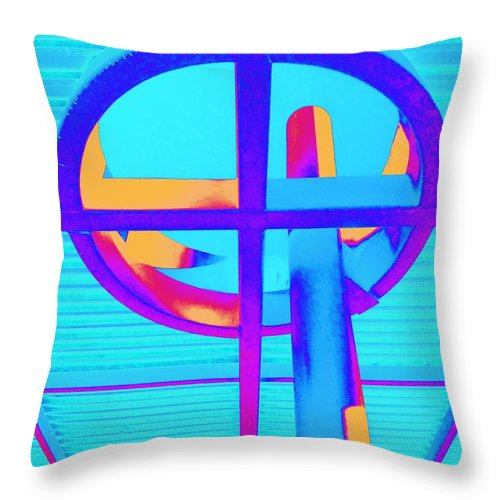 Oculus Throw Pillow featuring the photograph Oculus 4 by Randall Weidner
