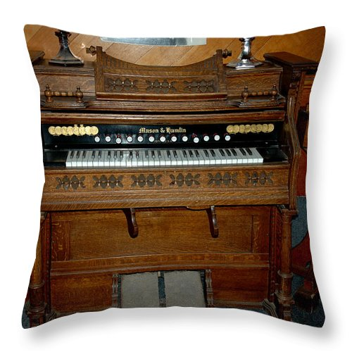 Usa Throw Pillow featuring the photograph Old Time Music by LeeAnn McLaneGoetz McLaneGoetzStudioLLCcom