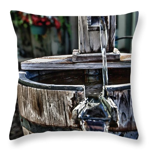 Water Pump Throw Pillow featuring the photograph Old Water Pump by James Woody