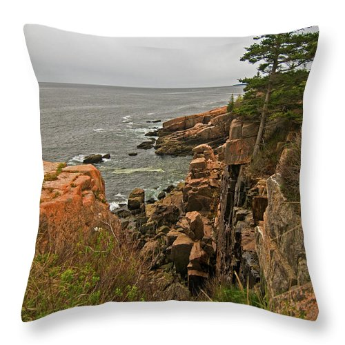 acadia National Park Throw Pillow featuring the photograph On The Edge by Paul Mangold