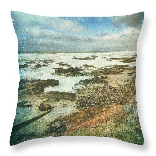 Oregon Coast Throw Pillow featuring the photograph Oregon Coast Morning by Bonnie Bruno