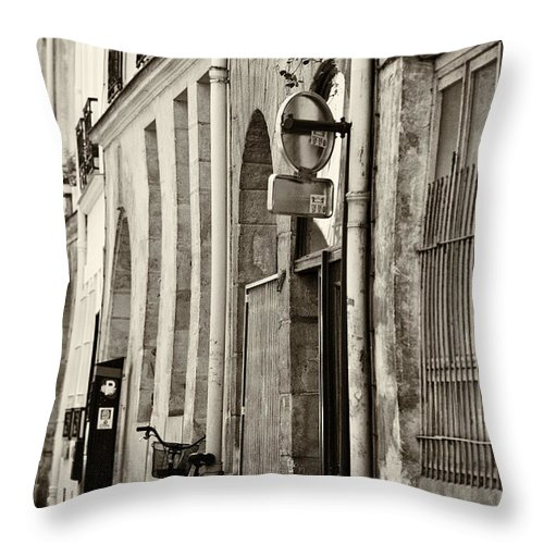 Paris Throw Pillow featuring the photograph Paris bicycle by Sheila Smart Fine Art Photography