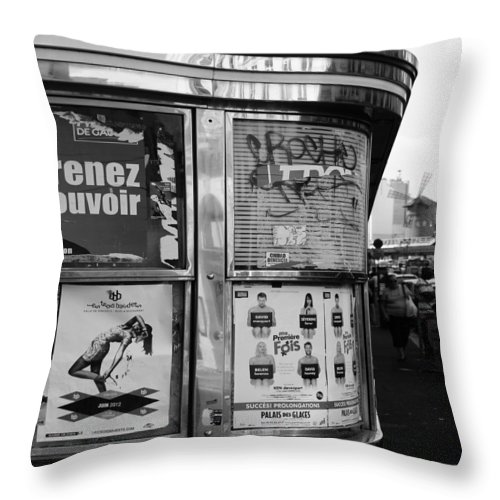 Paris Throw Pillow featuring the photograph Paris Diner 2 by Andrew Fare