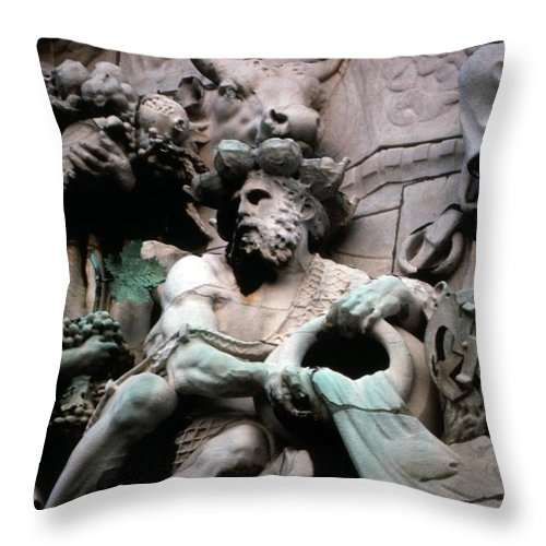 Art Throw Pillow featuring the photograph Paris Sculpture 1 by Roy Williams