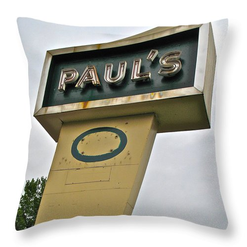 Photograph Throw Pillow featuring the photograph Paul's O by Cliff Spohn