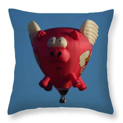 Balloons Throw Pillow featuring the photograph Pigs Do Fly by Ernie Echols