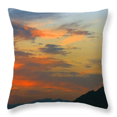 Pinnacle Peak Throw Pillow featuring the photograph Pinnacle Peak Sunset by Tam Ryan