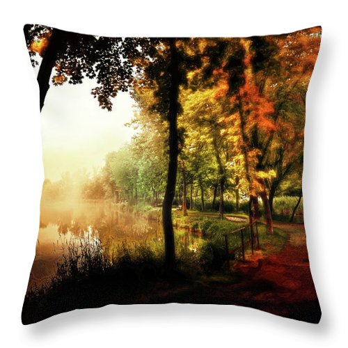 Psychedelik Throw Pillow featuring the photograph Psychedelic Autumn by Gabor Dvornik