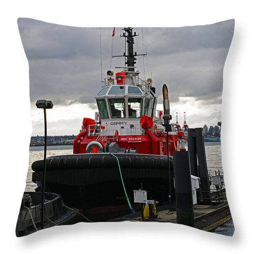 Boats Throw Pillow featuring the photograph Red Tug by Randy Harris