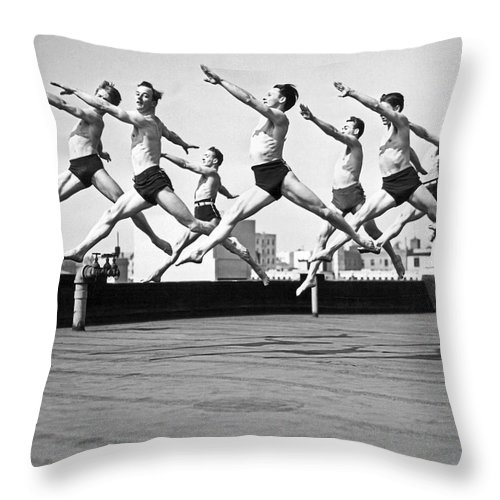 B And W Throw Pillow featuring the photograph Rooftop Dancers In New York by Underwood Archives