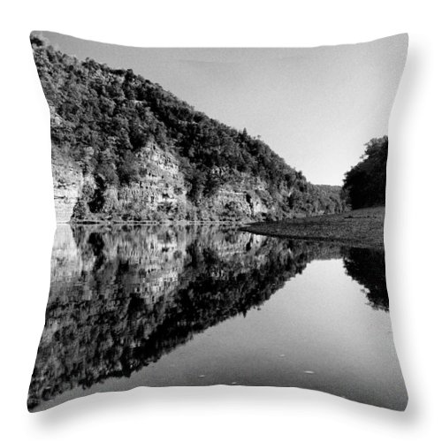 River Throw Pillow featuring the photograph Round The Bend Buffalo River In Black And White by Joshua House