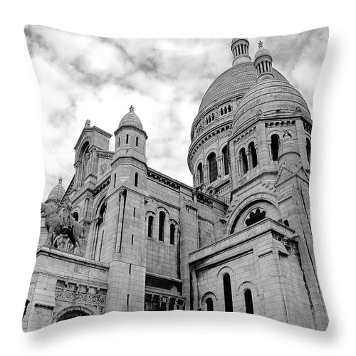 Art Throw Pillow featuring the photograph Sacre Coeur by Ivy Ho