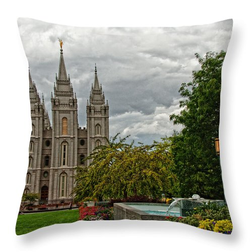 Slc Temple Throw Pillow featuring the photograph Salt Lake City Temple Grounds by La Rae Roberts