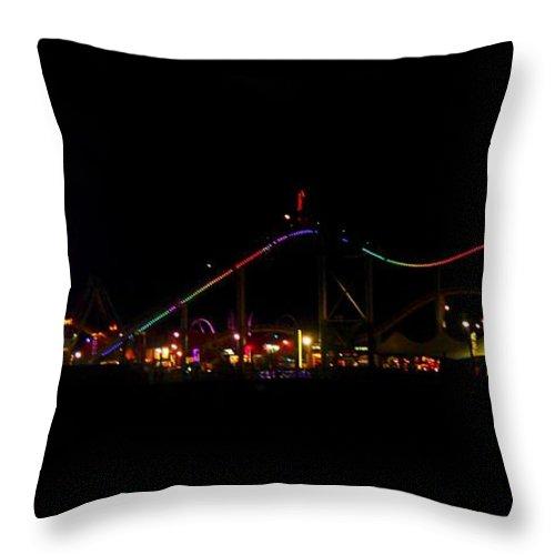 Santa Monica Throw Pillow featuring the photograph Santa Monica Pier II by Caroline Lomeli