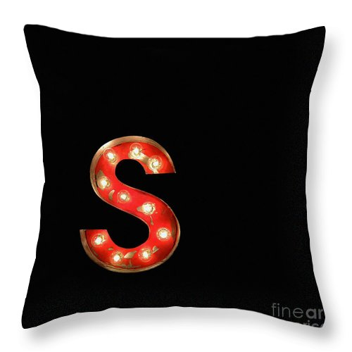 Red Throw Pillow featuring the photograph Scarlet Letter by Glennis Siverson