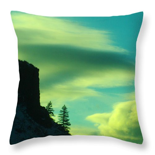 Sunset Throw Pillow featuring the photograph Settling by Jeff Swan