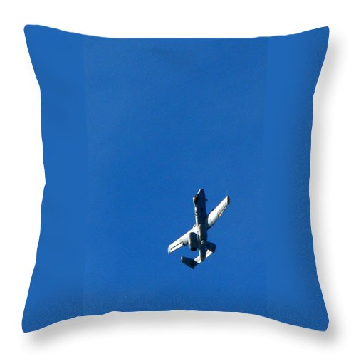 Jet Throw Pillow featuring the photograph Soaring Skyward by Jeff Lowe