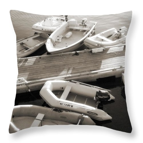 Maine Throw Pillow featuring the photograph Softly Floating by Scott Norris