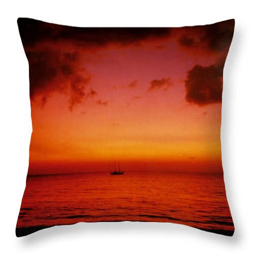 Sunset Throw Pillow featuring the photograph Solo by Kurt Van Wagner