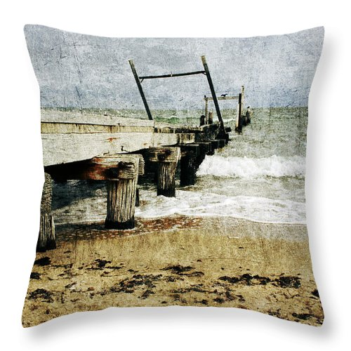 Beach Throw Pillow featuring the photograph Soul Reaver by Andrew Paranavitana