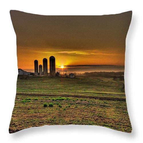 Heartland Stonehenge Throw Pillow featuring the photograph Stonehenge Of The Heartland by William Fields