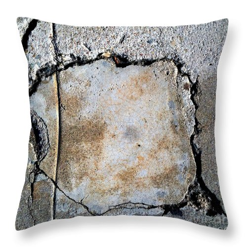 San Diego Throw Pillow featuring the photograph Streets Of Coronado Island 13 by Marlene Burns