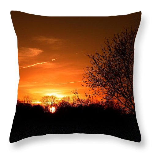 Sunset Throw Pillow featuring the photograph Sun Down by Neal Eslinger