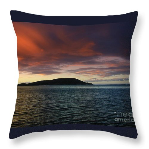 Portlock Throw Pillow featuring the photograph Sunrise At Portlock by Mark Gilman