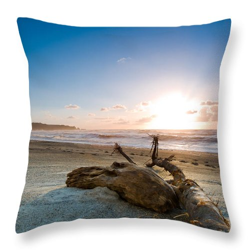Beach Throw Pillow featuring the photograph Sunset Over A Misty Beach by U Schade