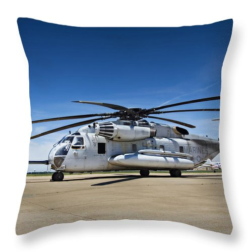Sikorsky Throw Pillow featuring the photograph Super Stallion by Ricky Barnard