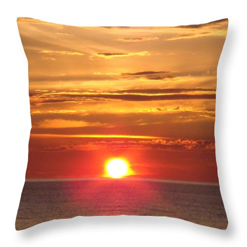 Sunset Throw Pillow featuring the photograph Superior Setting by Bonfire Photography