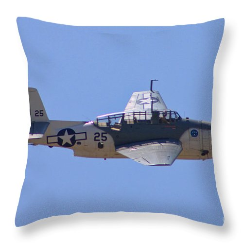 Grumman Tbd Avenger Throw Pillow featuring the photograph Tbd Avenger by Tommy Anderson