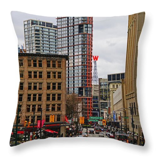 Vancouver Throw Pillow featuring the photograph The Big W by Randy Harris