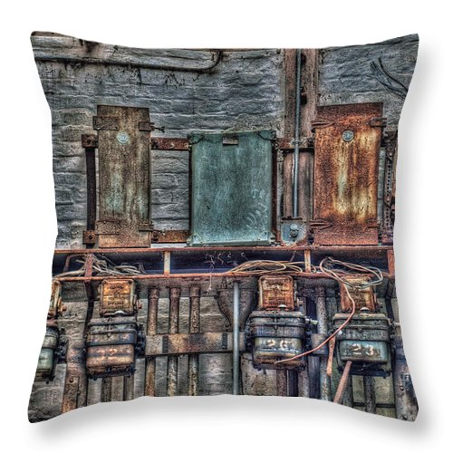 Building Throw Pillow featuring the photograph The Current History II by Sheila Laurens