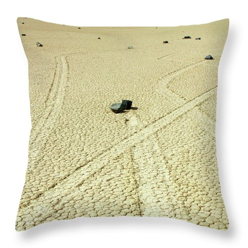 Death Valley Throw Pillow featuring the photograph The Racetrack 1 by Bob Christopher