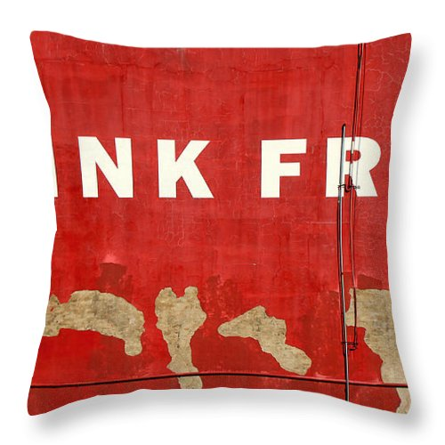 Freedom Throw Pillow featuring the photograph Think Free by Andrew Fare