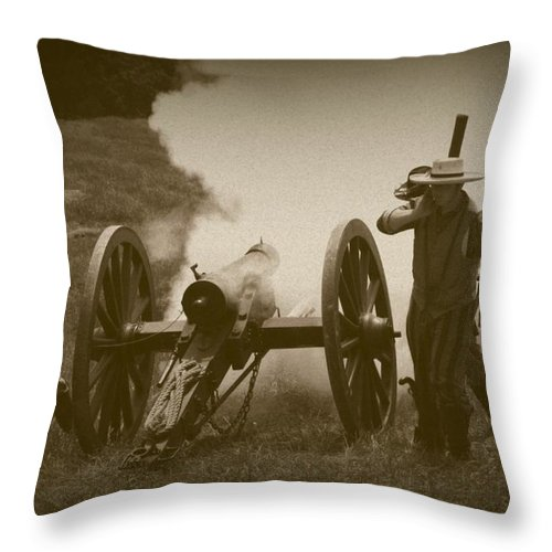 Civil Throw Pillow featuring the photograph Thwarting A Union Advance by David Dunham
