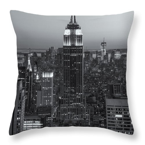 Clarence Holmes Throw Pillow featuring the photograph Top Of The Rock Twilight Vi by Clarence Holmes