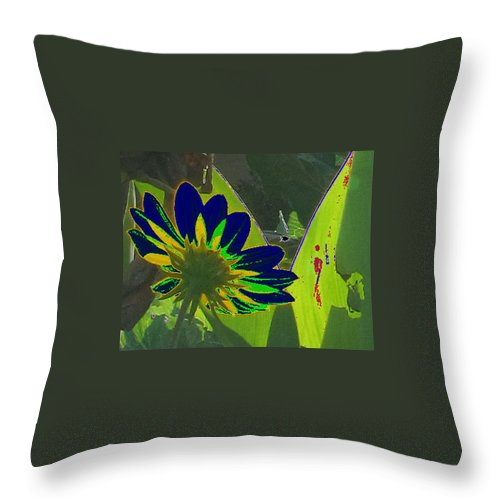 Special Effects Throw Pillow featuring the photograph Tricked Leaf by Kent Dunning