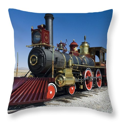Union Pacific Throw Pillow featuring the photograph Union Pacific 119 Left by Tim Mulina