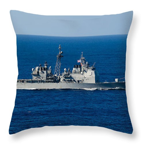 Side View Throw Pillow featuring the photograph Uss Mobile Bay Transits The Pacific by Stocktrek Images