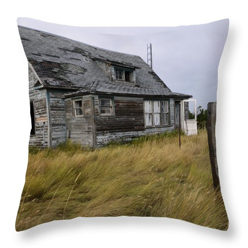 Kitchen Throw Pillow featuring the photograph Vacant House by Bob Christopher