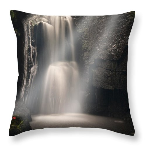Lumsdale Throw Pillow featuring the photograph Valley Waterfall Lost Love by Dave Parrott