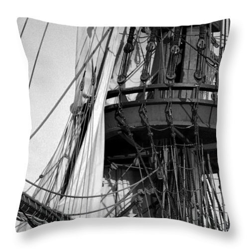 Vessel Throw Pillow featuring the photograph Vintage Crows Nest by Skip Willits