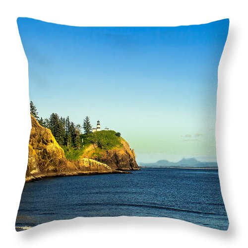 Lighthouse Throw Pillow featuring the photograph Waikiki Beach by Robert Bales