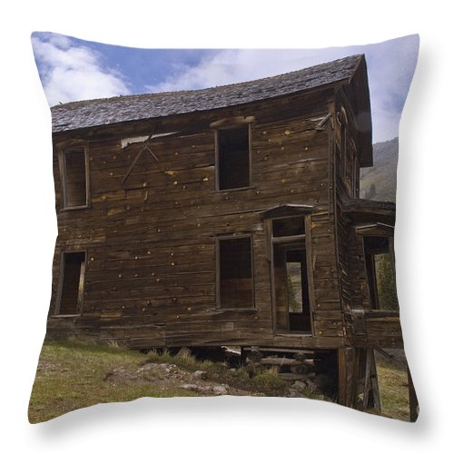 Silverton Throw Pillow featuring the photograph Walsh-duncan House by Tim Mulina
